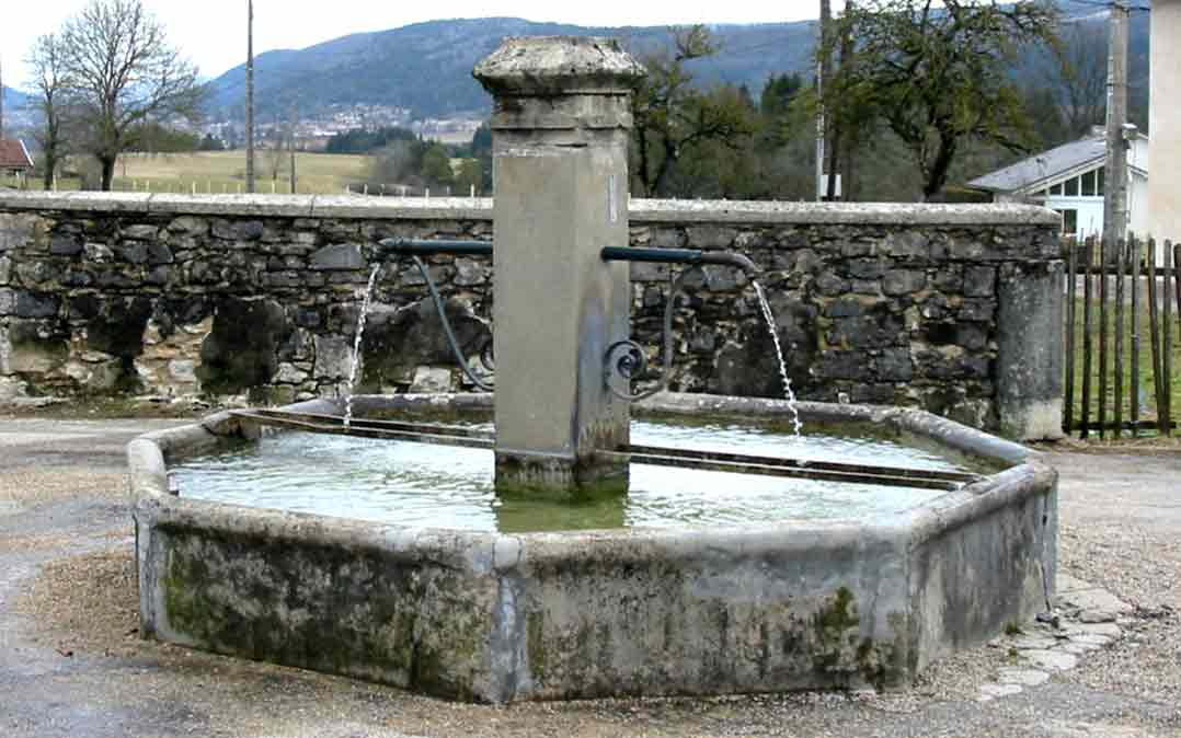 Fontaine_oisselaz